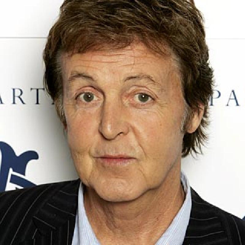Paul McCartney – Sir James Paul McCartney – (Músico –The Quarrymen, The Beatles, Wings, y en solitario-, cantante, compositor, productor musical, pintor y activista social. 1942 - …)